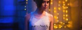girl-in-a-vest-1401603_1280